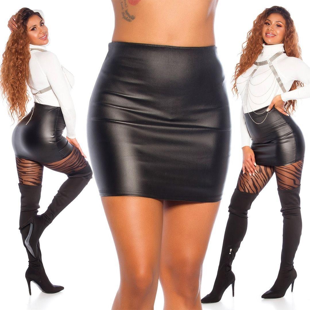 Minifalda ajustada cuero sintético negro