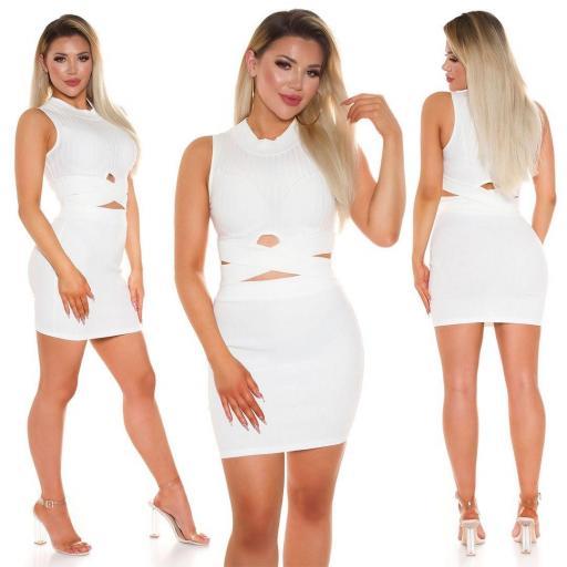Conjunto de moda falda y top blanco [3]