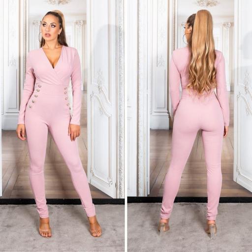 Mono atractivo y ajustado rosa