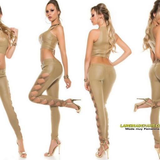 Pantalón entallado beige símil piel [3]