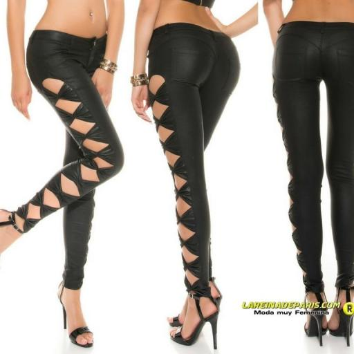 Pantalón ajustado negro símil piel [2]