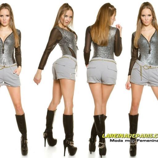 Pantalón corto cómodo y elegante [3]