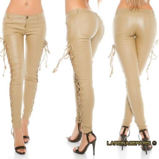 Pantalón de cuero beige con cordones [3]