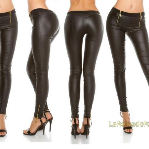 Pantalones de cuero con cremalleras [1]
