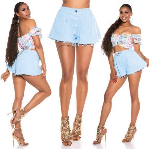 Pantalón corto de pierna ancha azul
