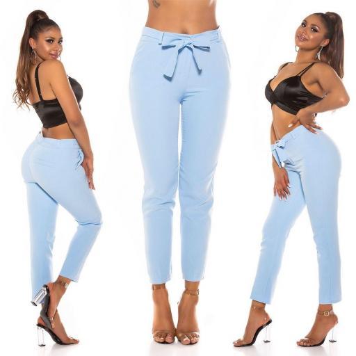 Elegante pantalón paper bag azul claro