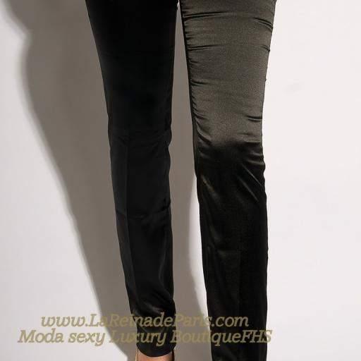 Pantalones negros ajustados Oferta