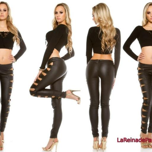 Pantalones de cuero y cremalleras  [1]