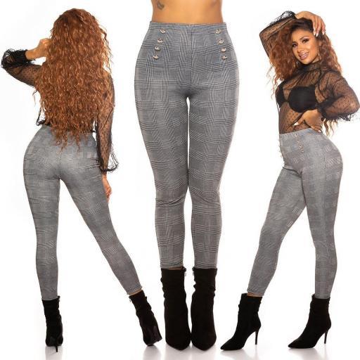 Pantalón ajustado low cost
