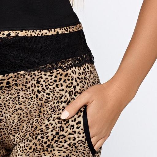 Pijama femenino diseño felino sensual [3]