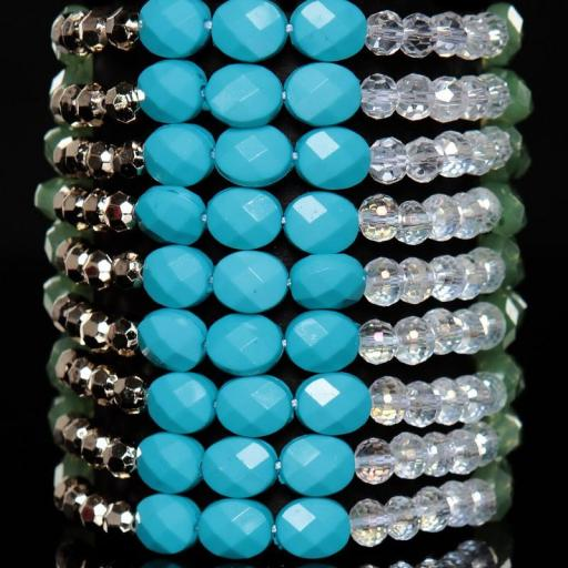 Pulsera de diferentes perlas turquesa