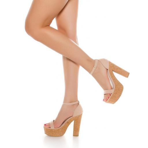 Sandalia rosa de tacón alto de corcho [2]