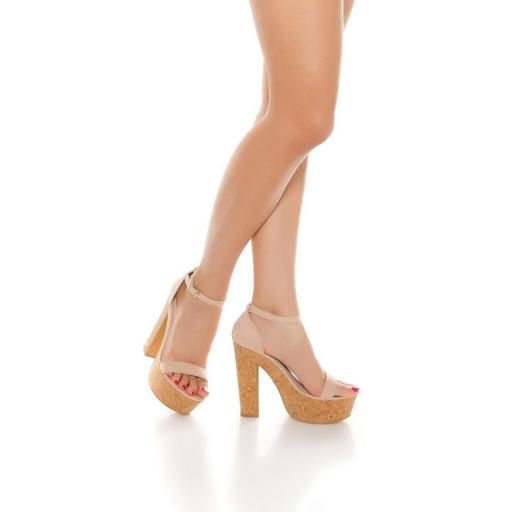 Sandalia rosa de tacón alto de corcho [3]