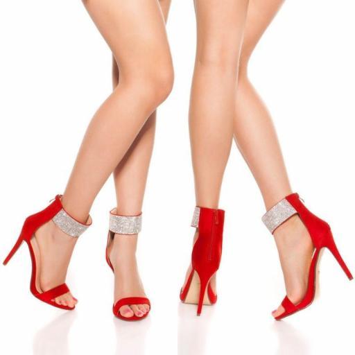 Sandalia rojas de tacón alto