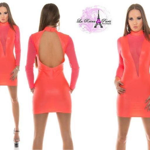 Vestidos que explota la feminidad  [1]