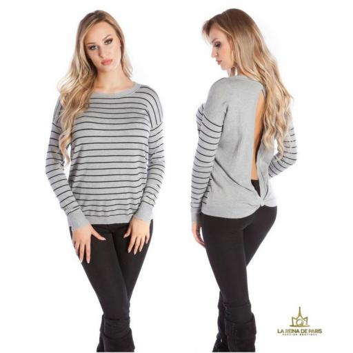 Suéter gris escotado por detrás [1]