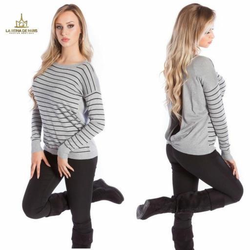 Suéter gris escotado por detrás [2]