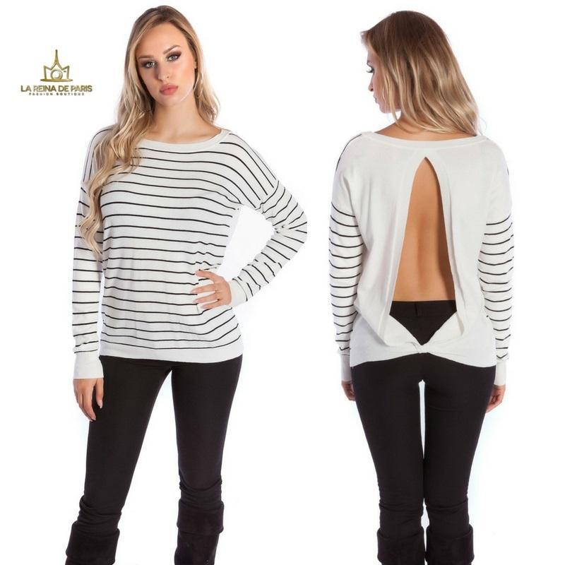 Suéter blanco escotado por detrás