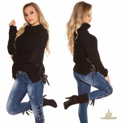 Suéter negro oversize con cintas [2]