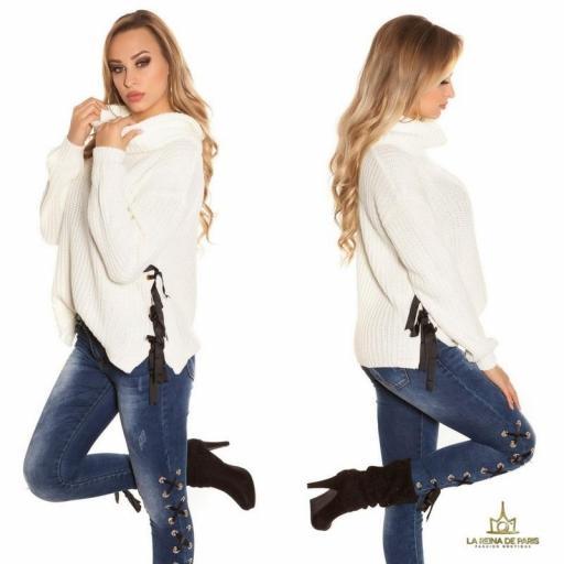 Suéter blanco oversize con cintas [2]