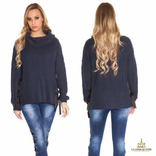 Suéter azul oversize con cintas [1]