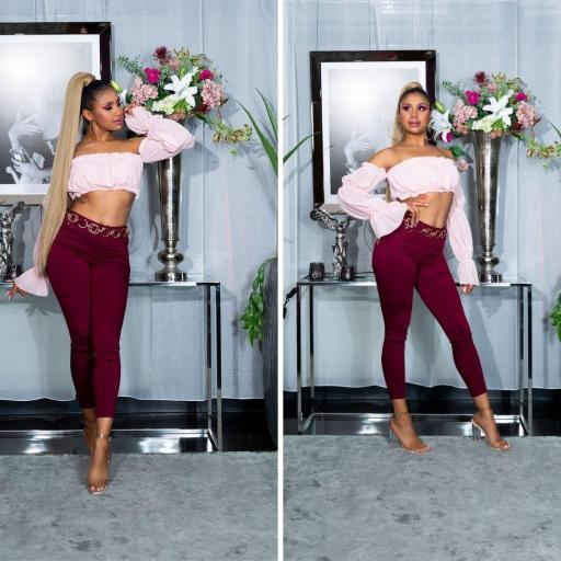 Jeans de moda de color burdeos [1]