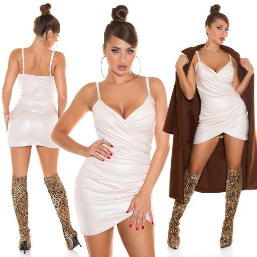 Vestido ajustado de piel sintética beige