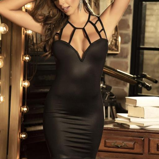 Vestido escotado ajustado negro