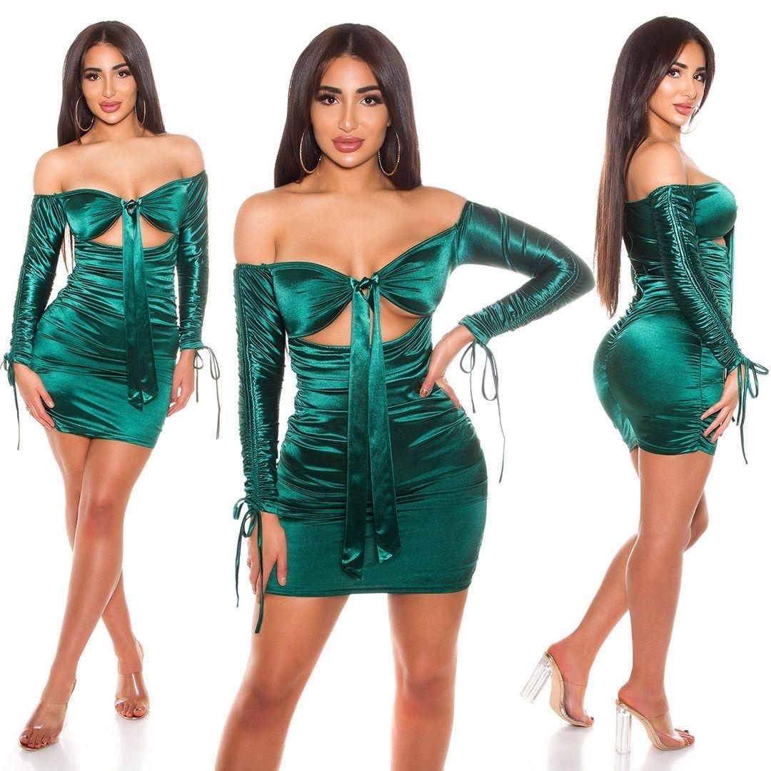 Vestido verde satinado fruncido