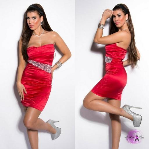 Vestido rojo de cóctel entallado [1]