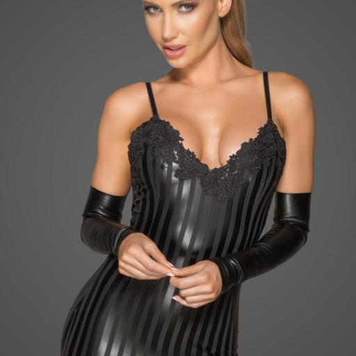 Vestido sexy con bordado decorativo