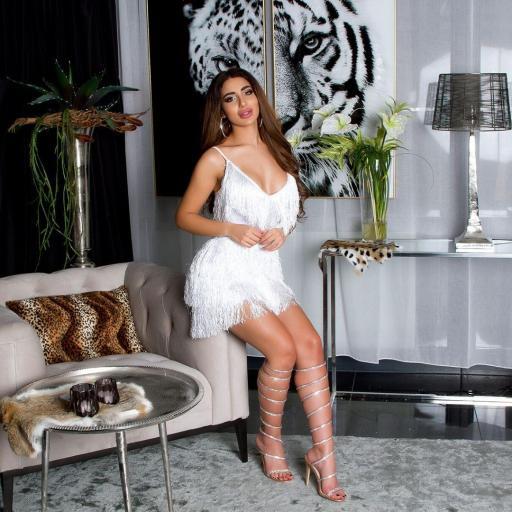 Vestido de flecos con escote blanco [3]
