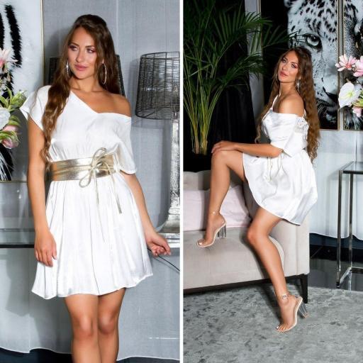 Vestido corto de satén y encaje blanco