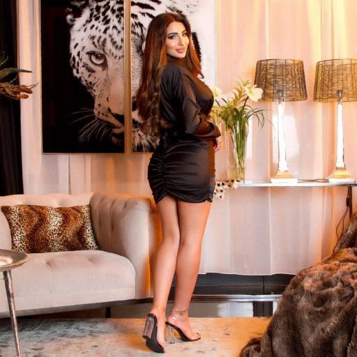 Vestido satinado arrunchado negro [2]