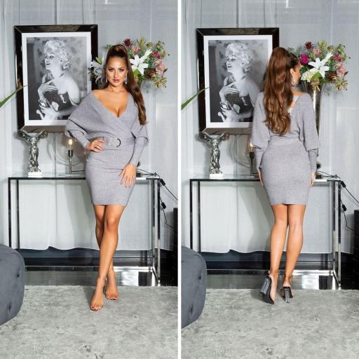 Vestido con hebilla decorativa gris
