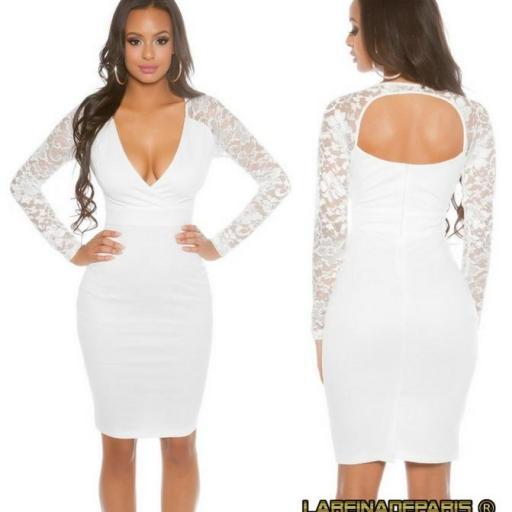 Vestido blanco con mangas de encaje