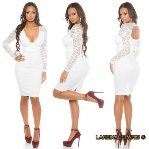 Vestido blanco con mangas de encaje  [1]