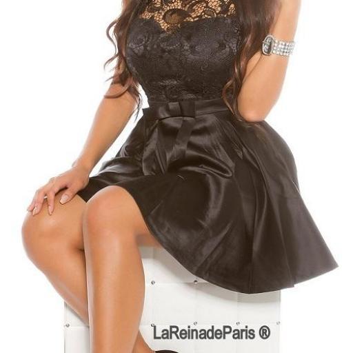 Vestido de cóctel negro con encaje  [1]