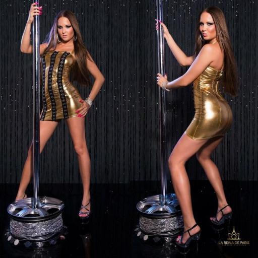 Vestido oro con ganchos metálicos [1]