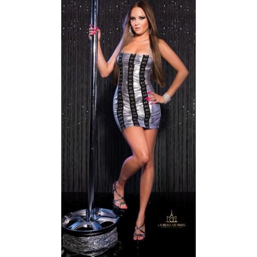 Vestido plateado con ganchos metálicos [3]