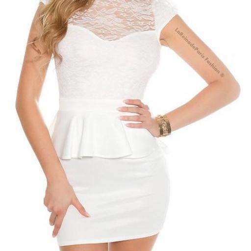 Vestido péplum de encaje blanco [1]