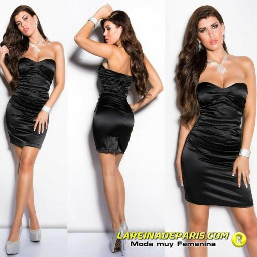 Vestido negro ceñido de cóctel