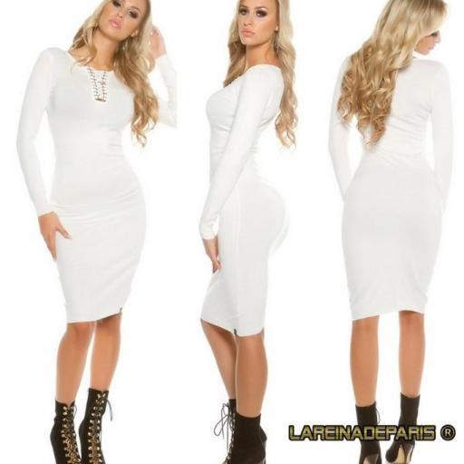 Vestido de punto blanco a media pierna