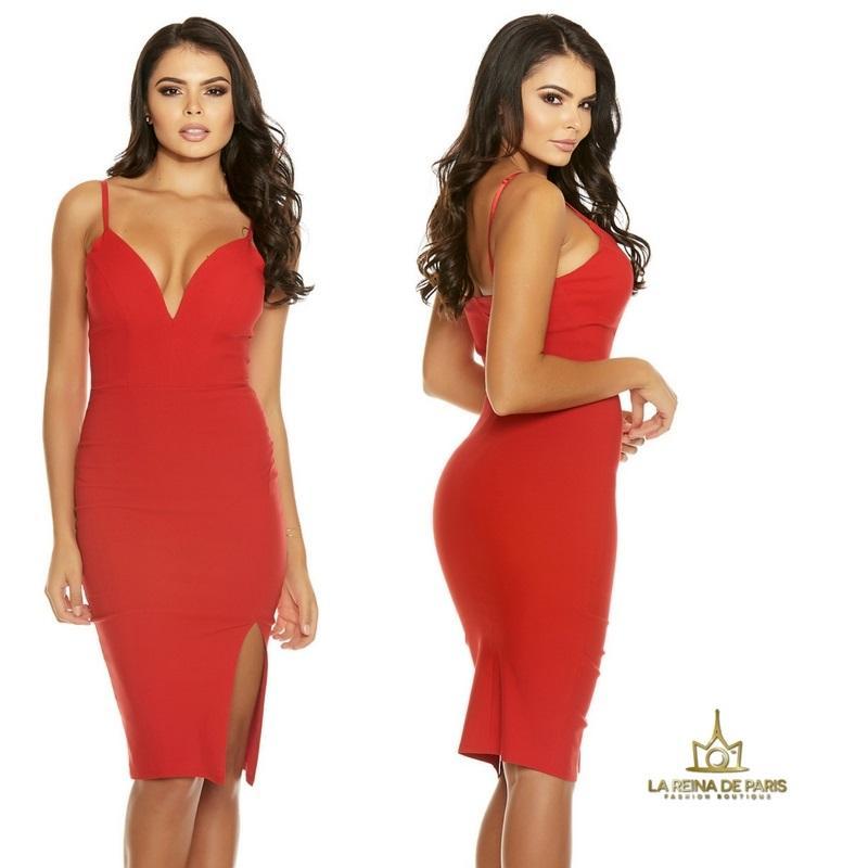 Vestido rojo con abertura sexy