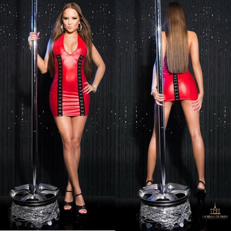 Vestido rojo con cierre de gancho