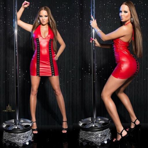 Vestido rojo con cierre de gancho [2]