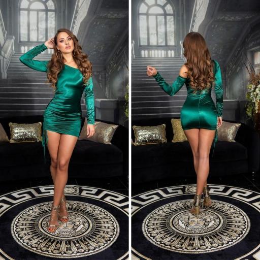 Vestido satinado verde línea ajustada