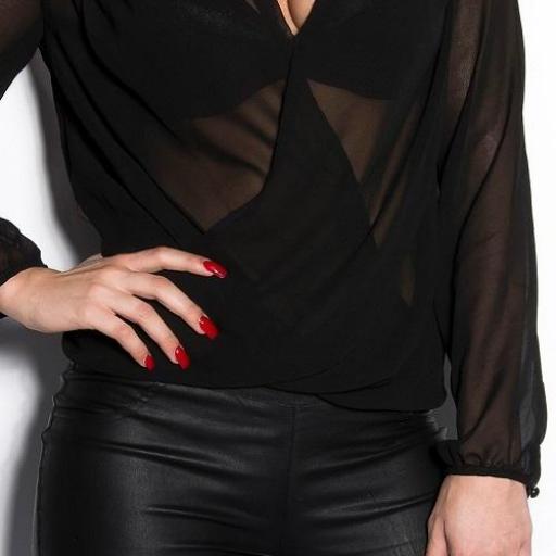 Blusa de moda con bordados negra