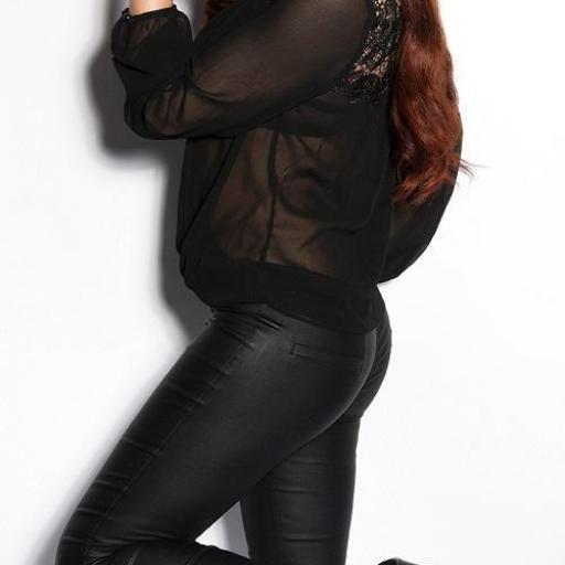 Blusa de moda con bordados negra [2]