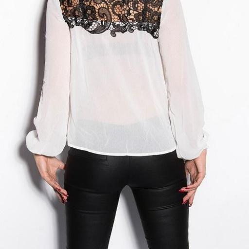 Blusa elegante con bordados blanca [1]